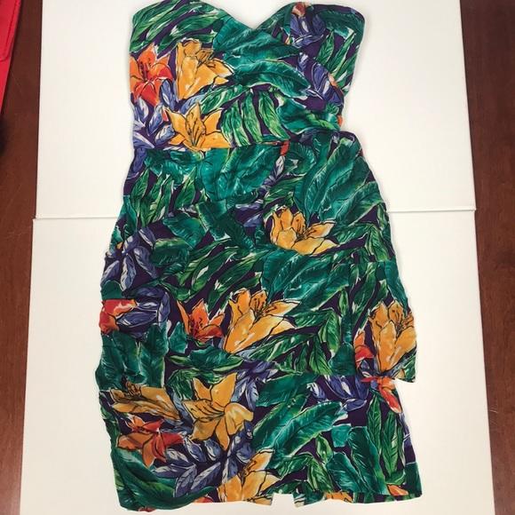 Nicole Miller Dresses & Skirts - Nicole Miller silk floral dress